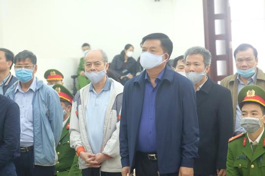 """Bị cáo Đinh La Thăng """"nặng lời"""" với Trịnh Xuân Thanh khi tự bào chữa trước tòa"""