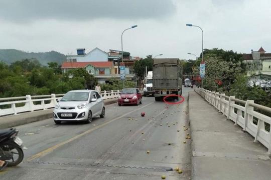 Bị xe tải cán và kéo lê hơn 30m, một phụ nữ tử vong tại chỗ