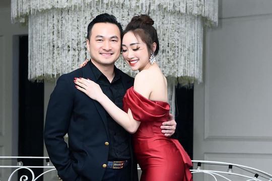 Diễn viên Chi Bảo kết hôn với bạn gái kém 16 tuổi