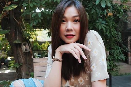 Siêu mẫu Thanh Hằng khiến dân tình ngỡ ngàng khi tung loạt ảnh tựa như nàng thơ