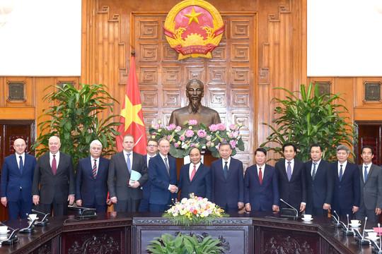 Tổng thống Liên bang Nga tặng nhân dân Việt Nam một lô vaccine Sputnik-V