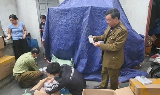 Thu giữ hơn 2.000 viên pin dự phòng giả nhãn hiệu Samsung