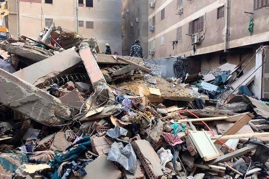 Sập tòa nhà 10 tầng ở Ai Cập, hàng chục người thương vong