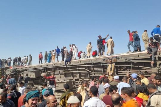 """Tai nạn tàu hỏa kinh hoàng ở Ai Cập: Tổng thống tuyên bố sẽ có """"hình phạt"""" răn đe"""
