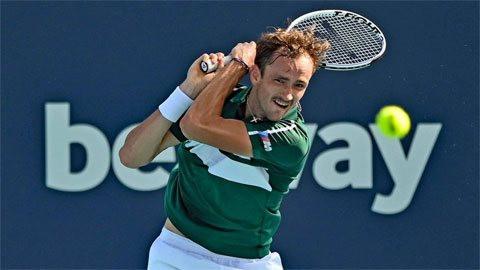 Medvedev vào vòng bốn Miami Open 2021