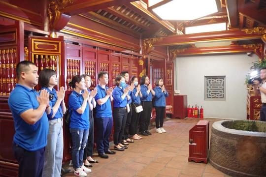 Đoàn Thanh niên TAND tỉnh Phú Thọ báo công dâng Bác tại Đền Hùng