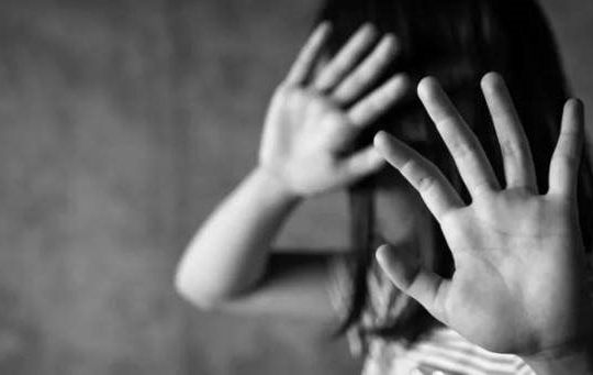 Cha dượng xâm hại con riêng mới 8 tuổi của vợ lĩnh án chung thân