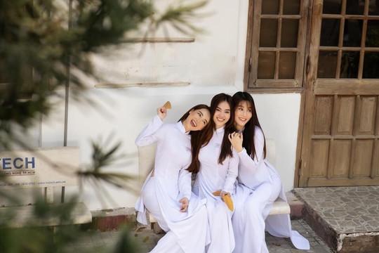 Ninh Dương Lan Ngọc, Nhã Phương, Diễm My 9x khoe sắc trong tà áo dài trắng