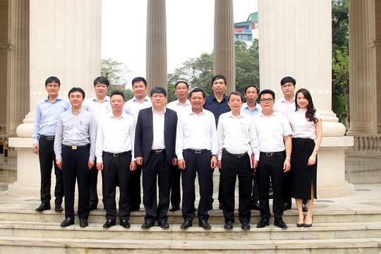Lãnh đạo Học viện Chính trị quốc gia Hồ Chí Minh thăm quan trụ sở TANDTC