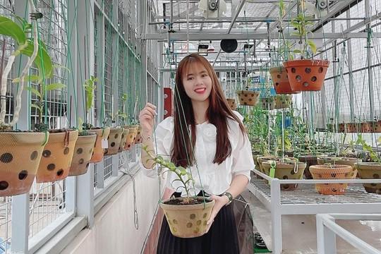 Nghệ nhân Lê Hải Yến chia sẻ câu chuyện cuộc đời và chữ duyên với nghề trồng lan