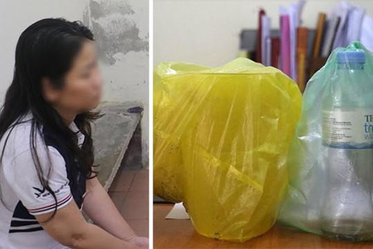 Bắt nghi phạm tạt axit một phụ nữ khi ra mở cổng