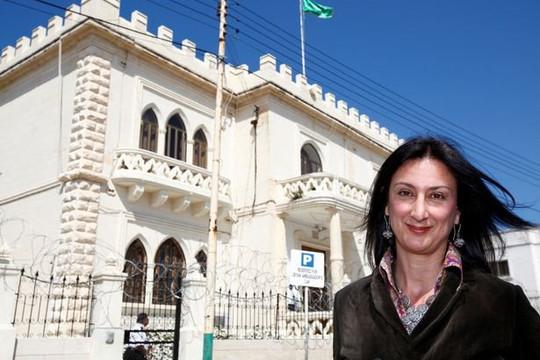 """Nữ nhà báo Daphne Caruana Galizia - """"Người đàn bà của WikiLeaks"""""""