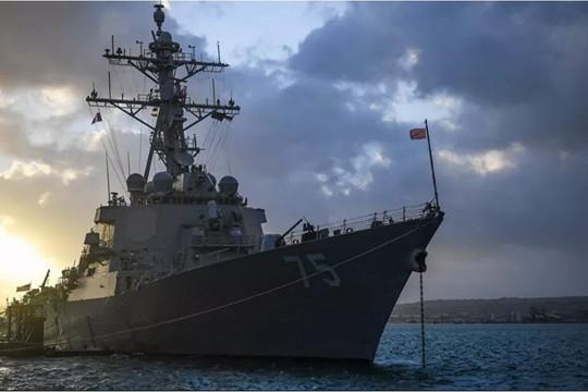 Tàu chiến Mỹ chuyển hướng, dừng di chuyển về Biển Đen?