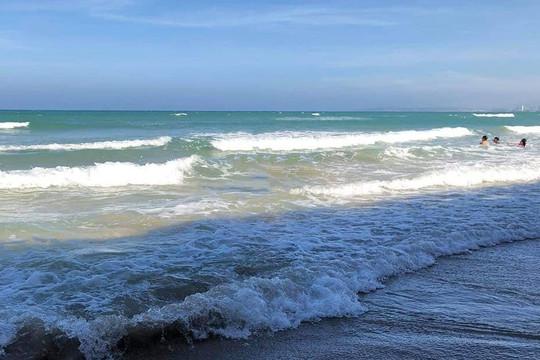 Bốn học sinh chết đuối khi tắm biển ở Khánh Hòa
