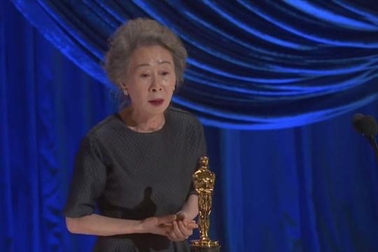 Sao Hàn Youn Yuh Jung 73 tuổi lập kỷ lục tại Oscar 2021