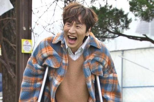 Lee Kwang Soo chính thức rời Running Man sau 11 năm gắn bó do chấn thương