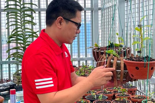 Ông chủ vườn lan Trần Chiến: Chơi lan thành công từ kinh nghiệm thực tế