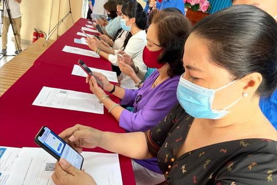 Người dân TP.HCM bắt đầu lập hồ sơ sức khỏe điện tử