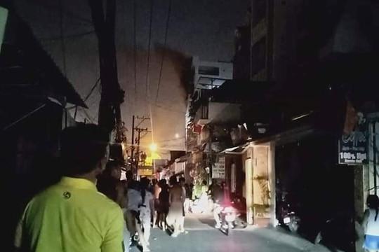 TP.HCM: Kịp thời giải cứu 24 người mắc kẹt trong đám cháy ở chung cư mini