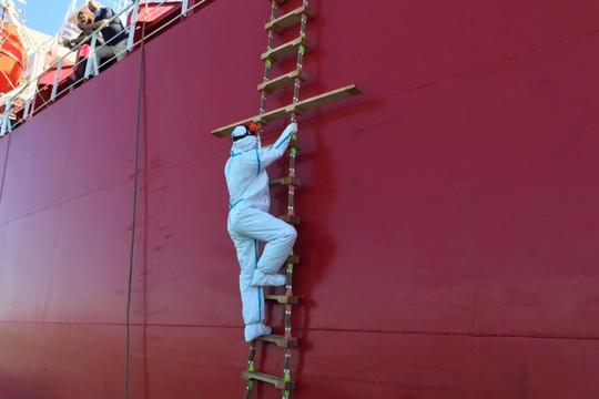 Vũng Tàu hỏa tốc tiếp nhận 12 thuyền viên dương tính SARS-CoV-2
