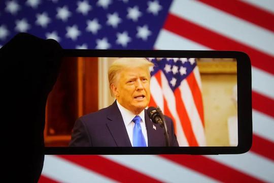 """""""From the Desk of Donald J. Trump"""": Nền tảng mạng xã hội riêng của cựu Tổng thống Trump có gì?"""
