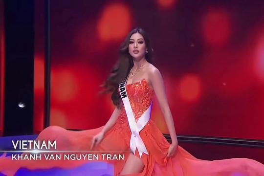 Khánh Vân gợi cảm, thần thái ngút ngàn tại bán kết của Miss Universe 2020