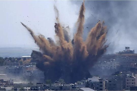 Israel không kích phá hủy tòa nhà Bộ Lao động ở Dải Gaza