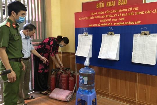 Quận Hoàng Mai: Đảm bảo tuyệt đối an toàn về PCCC&CNCH tại các điểm bỏ phiếu