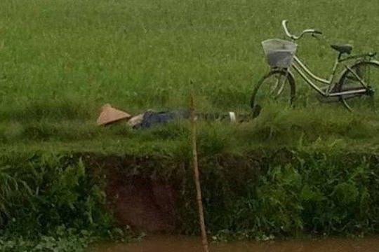Đi gặt lúa về, người phụ nữ bị sét đánh tử vong