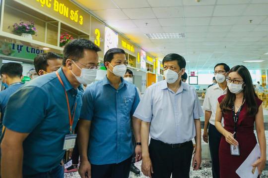 """Bộ trưởng Bộ Y tế: Phải """"đóng băng"""" ngay ổ dịch ở Bắc Ninh"""
