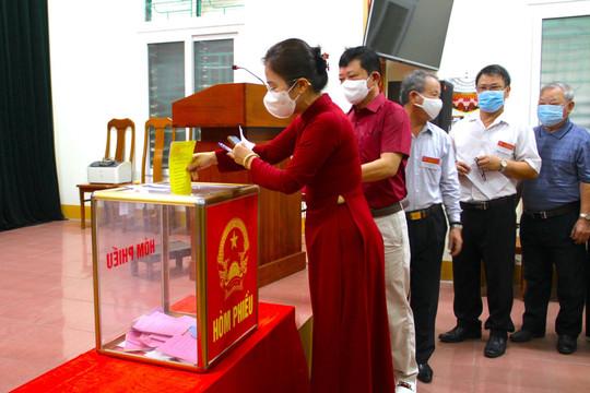 Nghệ An – Hà Tĩnh: Hơn ba triệu cử tri hân hoan đi bầu cử