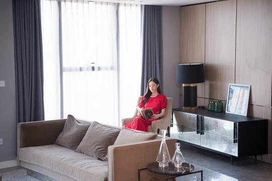 Lương Thuỳ Linh lần đầu khoe penthouse ở Hà Nội