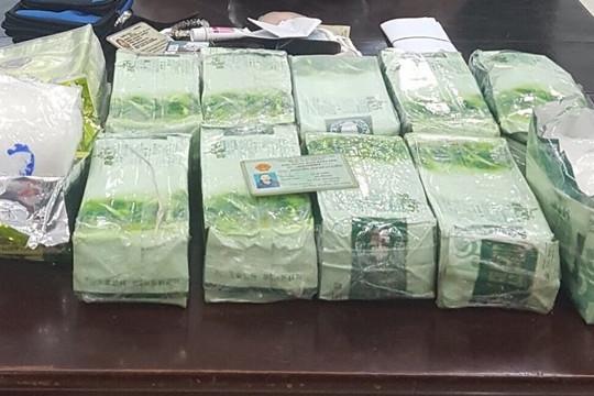 Truy tố các bị can mua bán gần 34kg ma túy tổng hợp qua biên giới