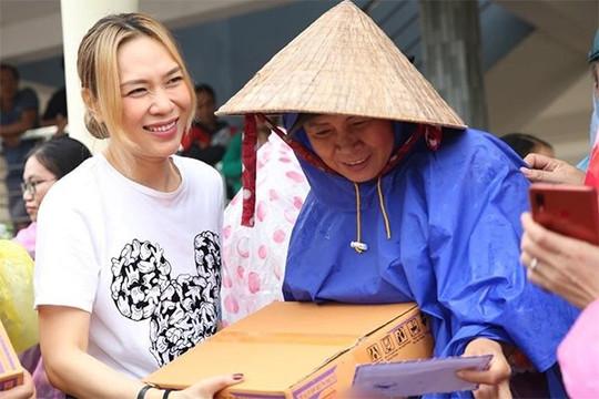 Mỹ Tâm, Đàm Vĩnh Hưng góp hơn 600 triệu đồng ủng hộ Bắc Giang phòng chống dịch Covid-19
