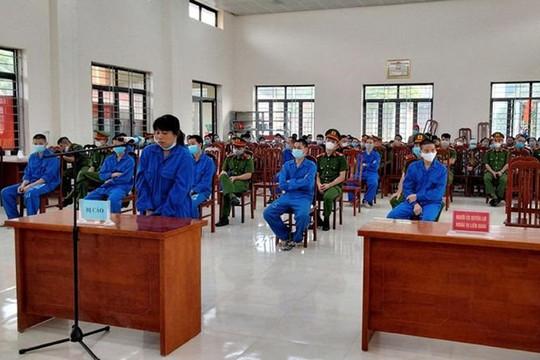 TAND tỉnh Quảng Ninh xét xử lưu động 11 đối tượng         đưa người xuất, nhập cảnh trái phép