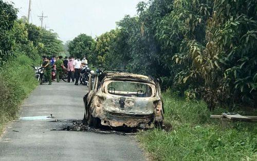 Cháy xe taxi, tài xế tử vong trên ghế lái