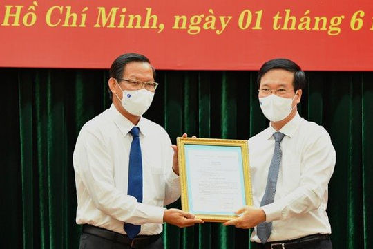 Bộ Chính trị điều động tân Phó Bí thư Thường trực Thành ủy cho TPHCM