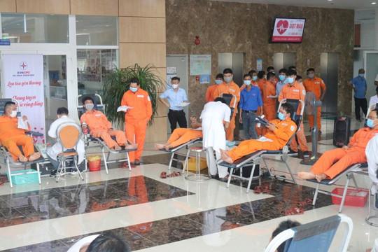 Điện lực Thừa Thiên Huế: Hiến 147 đơn vị máu cứu người trong mùa dịch
