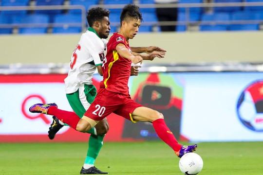 Thắng Indonesia 4-0, Việt Nam vững vàng ngôi đầu bảng