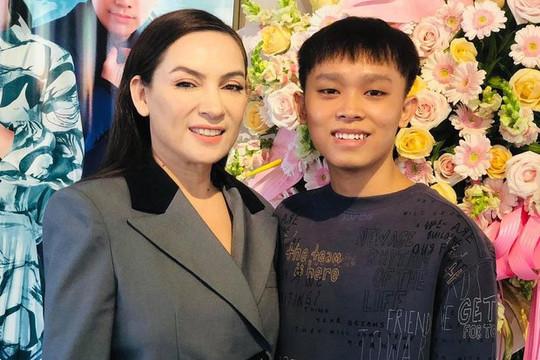 Hồ Văn Cường lên tiếng về ồn ào với mẹ nuôi Phi Nhung