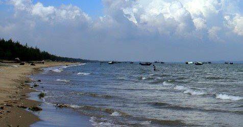Thanh Hoá: Ra biển tắm, 3 em nhỏ gặp nạn