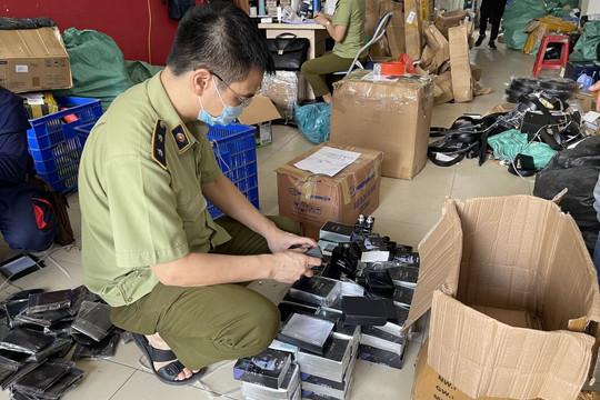 Hà Nội: Thu giữ hàng nghìn sản phẩm hóa mỹ phẩm không hóa đơn chứng từ, giả mạo nhãn hiệu