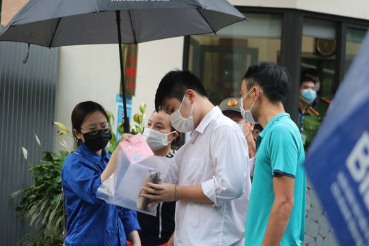 Điểm chuẩn vào lớp 10 của 115 trường THPT công lập tại Hà Nội