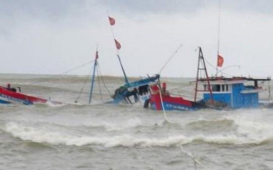 Cứu sống ngư dân Thanh Hóa 3 ngày trôi dạt trên biển