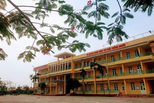 Nam Định: Đặt camera quay lén cô giáo trong nhà vệ sinh rồi tống tiền