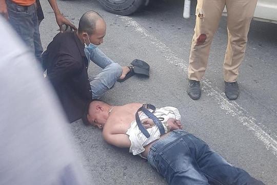 Truy đuổi tài xế ngáo đá, điều khiển xe ô tô tông vào CSGT