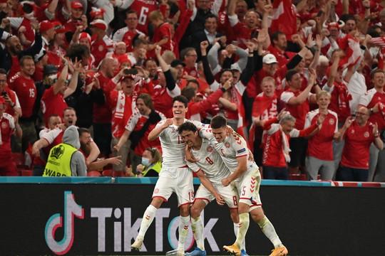 Bỉ toàn thắng 3 trận, Đan Mạch lách khe cửa hẹp vòng 1/8 EURO 2020