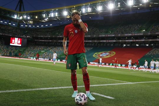 Có một Bruno Fernandes nhạt nhòa ở sân khấu EURO
