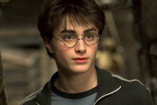 """Toan tính khôn ngoan của nhà """"Harry Potter"""" Daniel Radcliffe với khối tài sản 2,5 nghìn tỷ"""