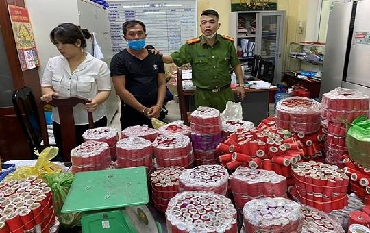 Bắt đối tượng mua bán, sử dụng ma túy và tàng trữ 337,5 kg pháo